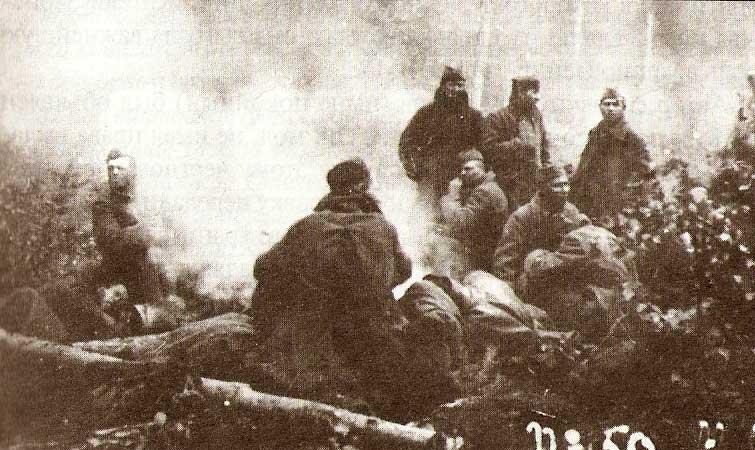 Советские военнопленные на лесоповале. 1943 год.