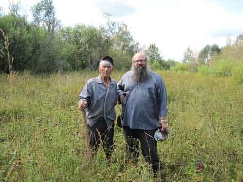 Василий Мишин и отец Иоанн